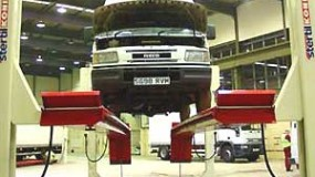 Elevatoare cu 4 coloane pentru camioane