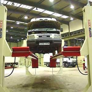 Elevatoare cu 4 coloane STERTIL Olanda, pentru camioane