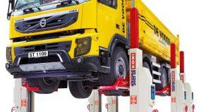 Elevator pentru camioane cu set de coloane mobile