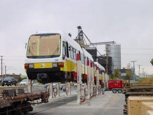 elevator cu coloane mobile ridica tramvaie