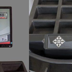 ATH W82 - monitor cu ecran tactil si comenzi duble